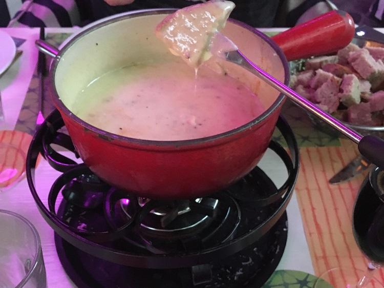 fondue de queijo, Lucerna